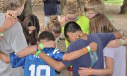preteen-youth-gropu-lesson-prayer